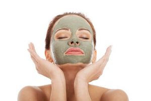 How do you make a skin tightening mask at home?