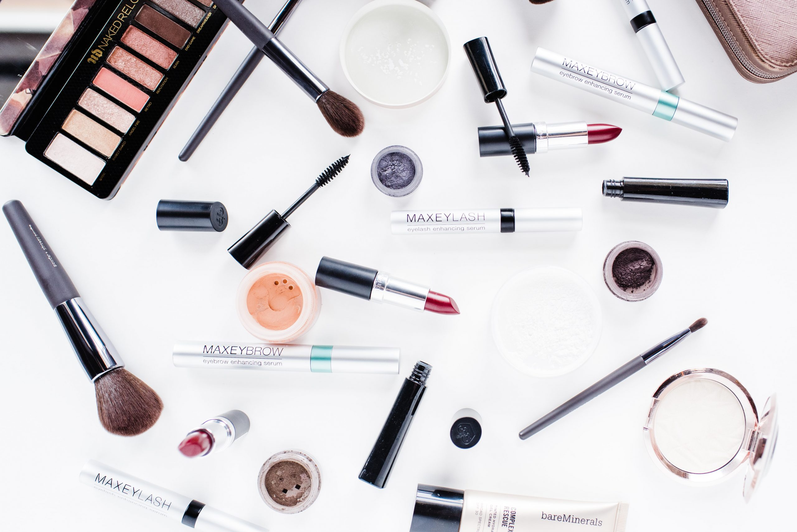 Your eyelashes can be brittle and fragile because of excessive use of cosmetic product like Mascara, even low-quality cosmetic product is also very dangerous for eyelashes that not only stop growth of eyelashes also make them weak.